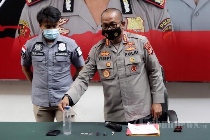 Polda Metro Jaya Rilis Kasus Narkoba Artis Renald Ramadhan