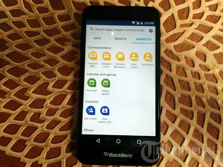 Pre-launch BlackBerry Aurora