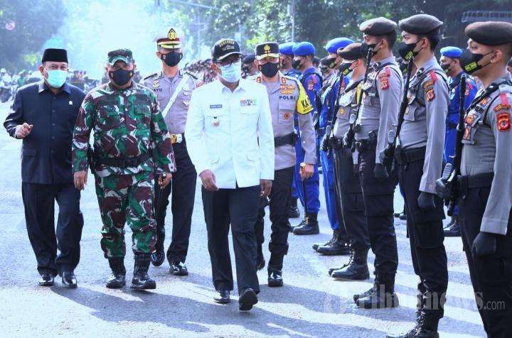 Ridwan Kamil Pimpin Apel Gelar Pasukan Operasi Ketupat Lodaya 2021