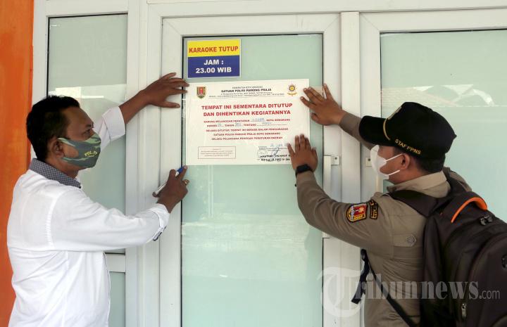 Satpol PP Semarang Segel Swalayan hingga Sunan Kuning