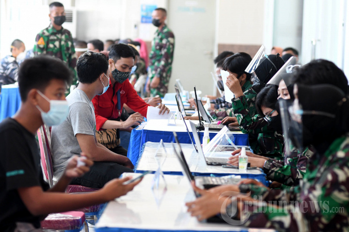 Serbuan Vaksinasi Covid-19 Masyarakat Maritim Tanjung Perak