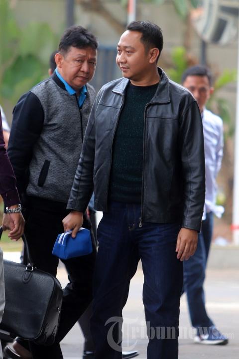 Terjaring OTT Bupati Lampung Agung Ilmu Mangkunegara Utara Tiba di KPK