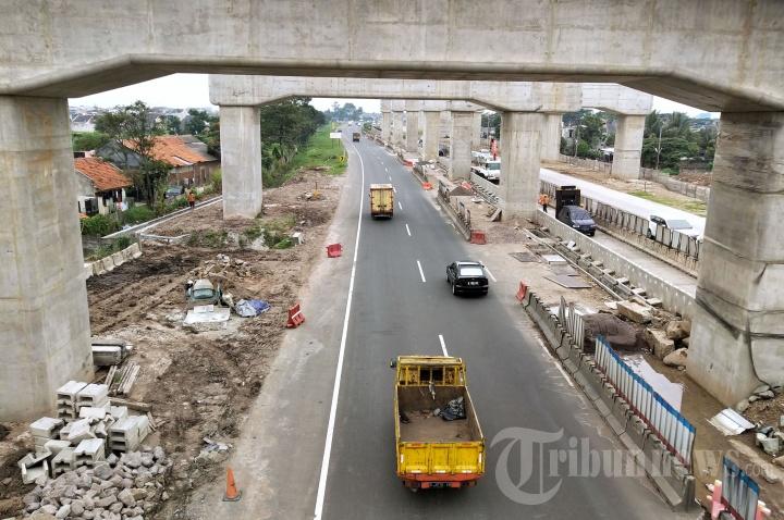 Tiang Pancang Kereta Cepat Jakarta-Bandung di Tol Padaleunyi