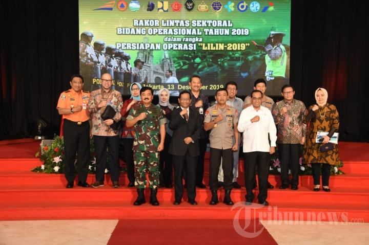TNI dan POLRI Dukung Pengamanan Natal 2019 dan Tahun Baru 2020