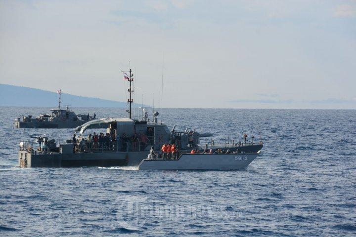 TNI Jemput 4 WNI ABK di Perairan Laut Filipina