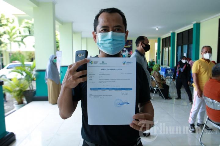 Vaksinasi Covid-19 bagi Guru Tenaga Kependidikan di Bandar Lampung