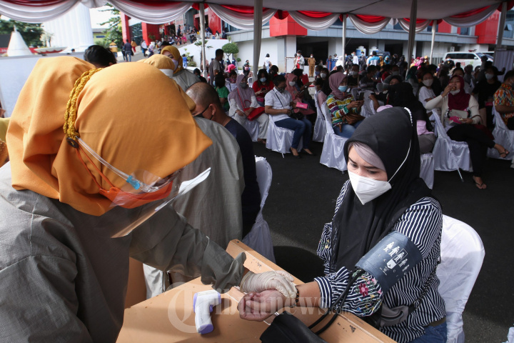 Vaksinasi Massal di Kota Bandar Lampung