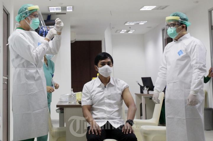 Wakil Menteri Kesehatan Ikut di Vaksin Covid-19