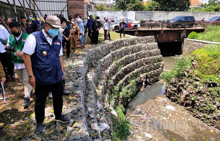 Wakil Wali Kota Bandung Tinjau Kolam Retensi Bima