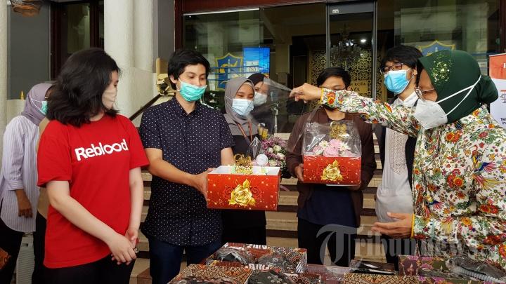 Wali Kota Surabaya Tri Rismaharini Ulang Tahun Ke-59