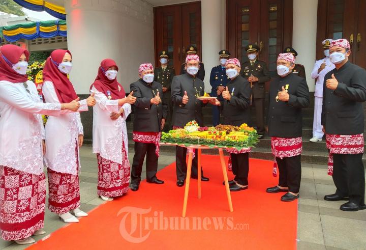 Walikota Bandung Pimpin Upacara HJKB ke-211