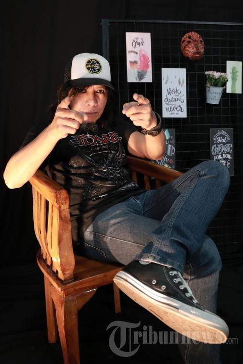 Wawancara Khusus Tribun Network dengan Gitaris Eet Sjahranie