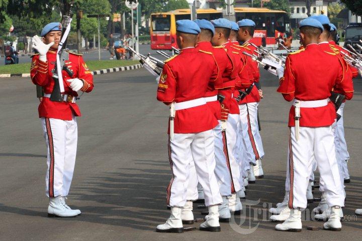 Wisata Prosesi Pergantian Pasukan Jaga Istana Kepresidenan