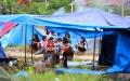 1500-jiwa-bertahan-di-tenda-pengungsian-stadion-manakarra-sulbar_20210125_231008.jpg