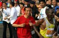 Jokowi Kejar Pelari Kenya di Mandiri Jakarta Marathon
