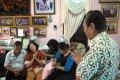 20140311_154031_keluarga-penumpang-pesawat-malaysia-airlines-yang-hilang.jpg