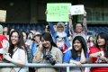 Antusias Penggemar Running Man dan Park Ji Sung