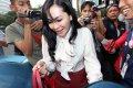 20140902_191239_istri-muda-wali-kota-palembang-diperiksa-kpk.jpg