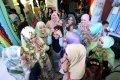 500-jilbab-dipasang-dalam-5-menit-di-mari-makassar_20151127_111305.jpg