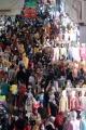 Abaikan Prokes, Warga Padati Pasar Tanah Abang untuk Berbelanja