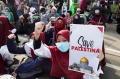 aksi-bela-palestina-di-depan-kedubes-amerika-serikat_20210518_201359.jpg