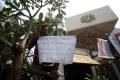 aksi-protes-insiden-bendera-terbalik-di-kedubes-malaysia_20170821_202347.jpg