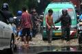 banjir-akibat-hujan-deras-sesaat-di-kota-cimahi_20201122_231917.jpg