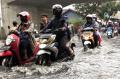 banjir-cileuncang-di-jalan-cibaduyut_20210416_194607.jpg