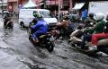 banjir-cileuncang-di-jalan-kopo-citarip-kota-bandung_20210819_185850.jpg
