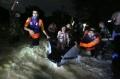 banjir-di-medan-enam-orang-meninggal-dunia_20201204_214503.jpg