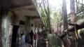 Bersih-bersih Bekas Penjara Kalisosok yang Sudah Seperti Hutan