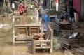 bersih-bersih-usai-banjir-bandang_20200102_204420.jpg