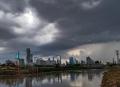 bmkg-keluarkan-peringatan-dini-cuaca-ekstrem-sepekan-ke-depan_20200922_170517.jpg