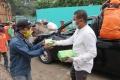 bulan-puasa-arisan-selebritis-charity-ii-bagi-nasi-kotak-dan-mas_20200426_103340.jpg