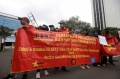 demo-buruh-serahkan-1000-surat-penolakan-uu-cipta-kerja_20210215_180641.jpg