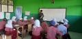 Dua Prajurit TNI Yonif Raider Khusus 136/TS Jadi Guru