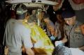 evakuasi-korban-tabrakan-speedboat-paspampres-di-palangkaraya_20200310_024640.jpg