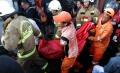 evakuasi-korban-tewas-kebakaran-di-kebayoran-lama_20200127_221803.jpg
