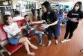 gojek-bagikan-masker-gratis-di-bandara-soekarno-hatta_20200222_000126.jpg