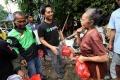 gojek-bagikan-paket-logistik-untuk-korban-banjir_20200105_215619.jpg