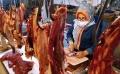 harga-daging-sapi-di-pasar-kosambi-tembus-rp-140000-per-kg_20210510_223436.jpg