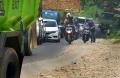 hati-hati-melintas-di-jalur-cipatat-arah-bandung-menuju-cianjur_20210303_211333.jpg