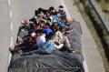 india-berlakukan-lockdown-ribuan-pekerja-migran-berusaha-mudik_20200329_225644.jpg