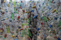 Instalasi Seni Dari Limbah Plastik