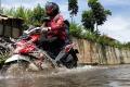 Jalan BBS Kabupaten Bandung Terendam Banjir Cileuncang