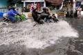 jalan-dengdek-kopo-sayati-terendam-banjir-cileuncang_20201124_203520.jpg