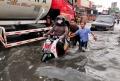 jalan-dengdek-kopo-sayati-terendam-banjir-cileuncang_20201124_204106.jpg