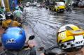 Jalan Kopo Citarip Terendam Banjir Cileuncang