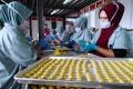 jc-cookies-produksi-lebih-dari-5000-toples-kue-kering-per-hari_20210507_222543.jpg