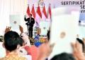 jokowi-serahkan-sertifikat-tanah-di-humbang-hasundutan_20201027_230101.jpg